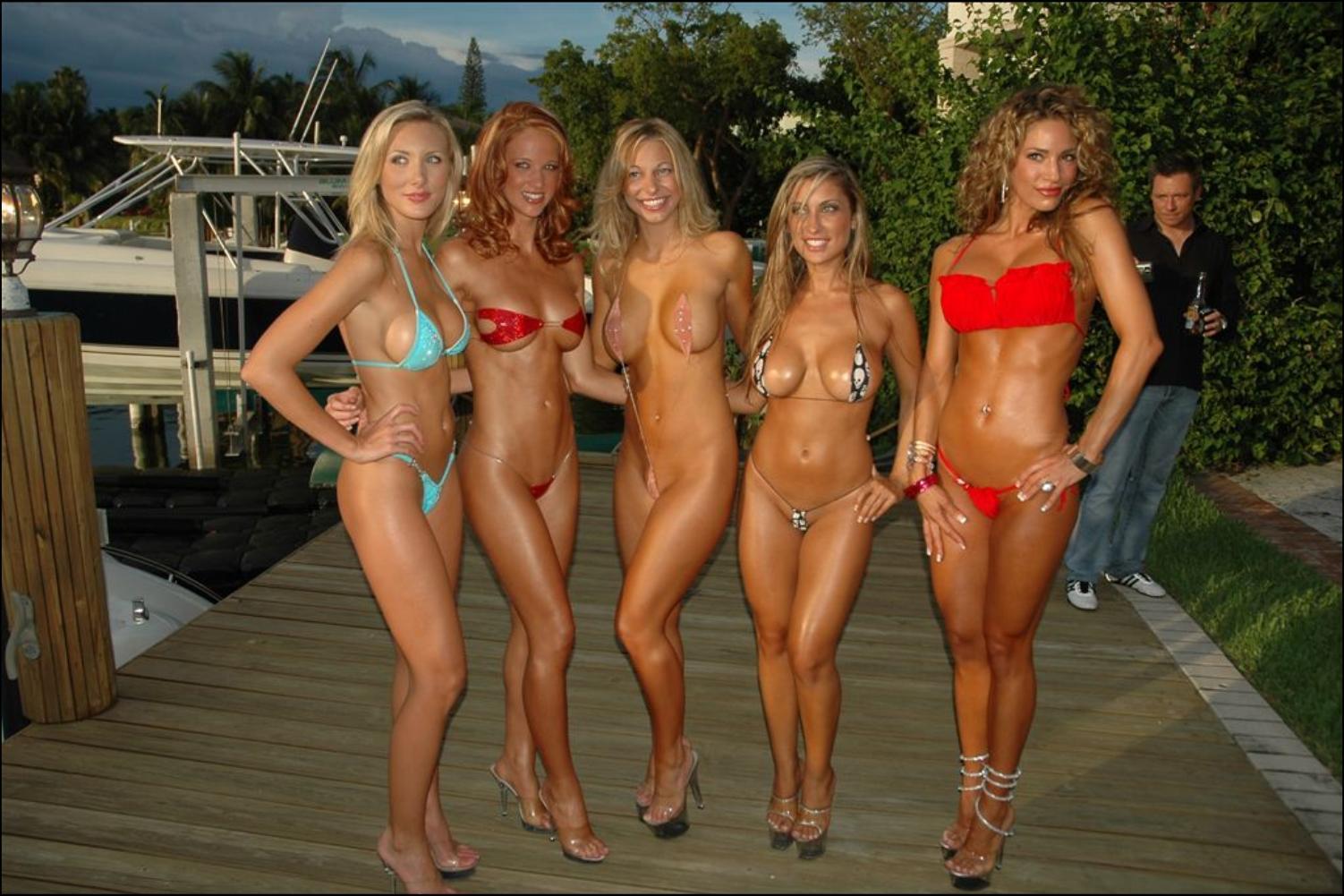 Эротические купальники смотреть фото 13 фотография